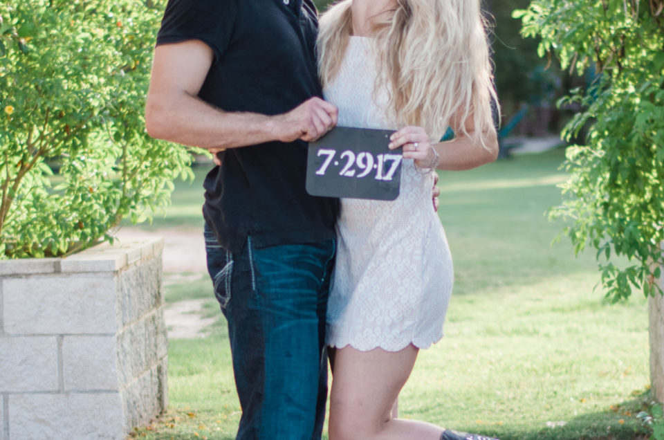 Montgomery, Texas Engagement | Lizzy + Taylor
